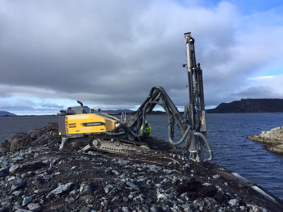 Borerigg ved sjø - ullaland.no
